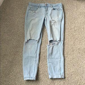 AE Lightwash Ripped Denim Jeans